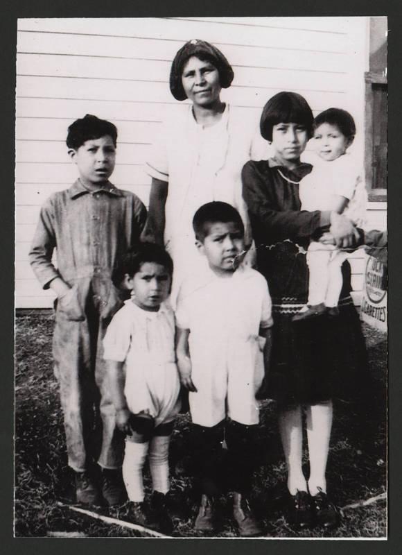 Esperanza Martinez with Florence, Frank, Vincent, Ray and Adella, circa 1931