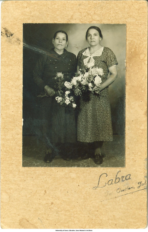 http://digital.lib.uiowa.edu/utils/getfile/collection/latinas/id/593/filename/594.jpg