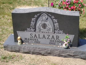 Tombstone of Hesiquia and Manuel Salazar.<br />